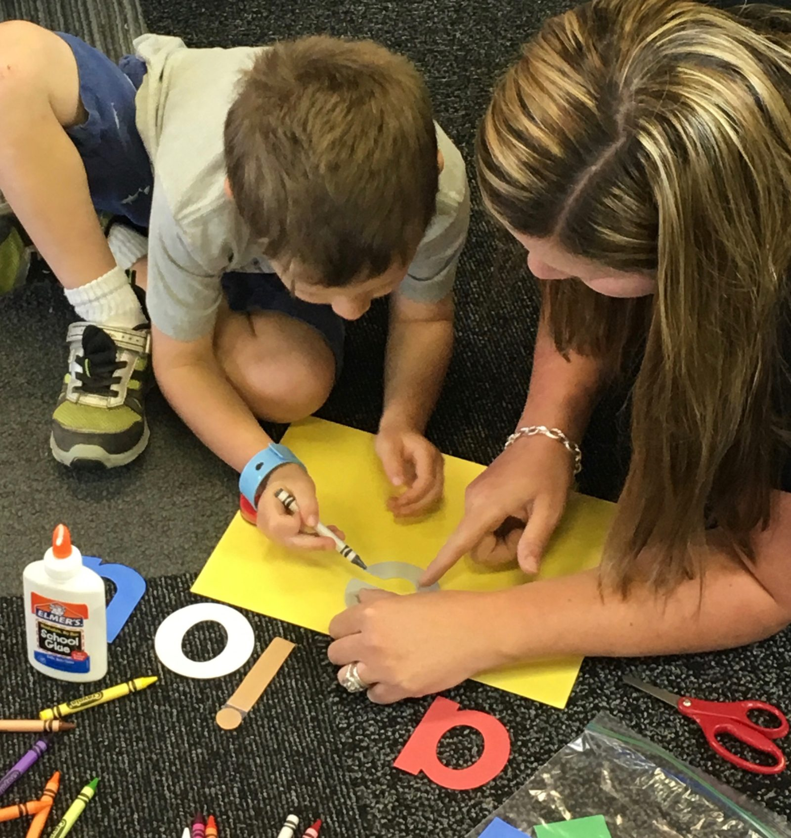 short vowel poster making with mom